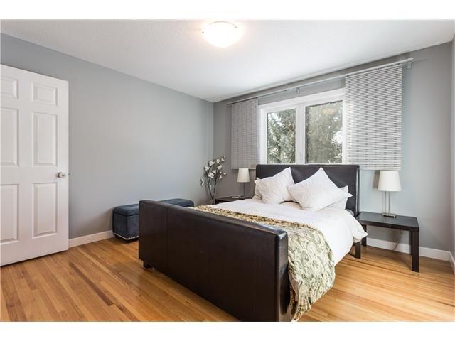 Photo 19: Photos: 36 OAKBURY Place SW in Calgary: Oakridge House for sale : MLS®# C4101941