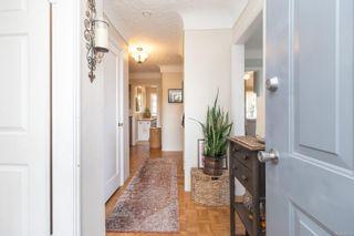 Photo 4: 630 Bryden Crt in : Es Old Esquimalt Half Duplex for sale (Esquimalt)  : MLS®# 883333