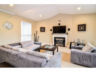 """Photo 9: 6350 167B Street in Surrey: Cloverdale BC House for sale in """"CLOVER RIDGE"""" (Cloverdale)  : MLS®# F1430090"""