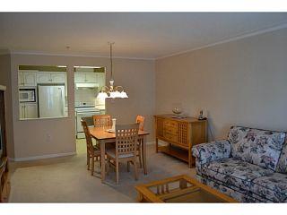 "Photo 4: 310 15350 19A Avenue in Surrey: King George Corridor Condo for sale in ""Stratford Gardens"" (South Surrey White Rock)  : MLS®# F1409599"