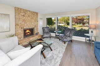 Photo 2: 3990 Hopesmore Dr in Saanich: SE Mt Doug House for sale (Saanich East)  : MLS®# 887284