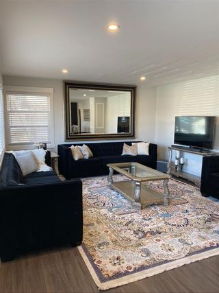 Photo 3: 2707 9 Avenue SE in Calgary: Albert Park/Radisson Heights Detached for sale : MLS®# A1078333