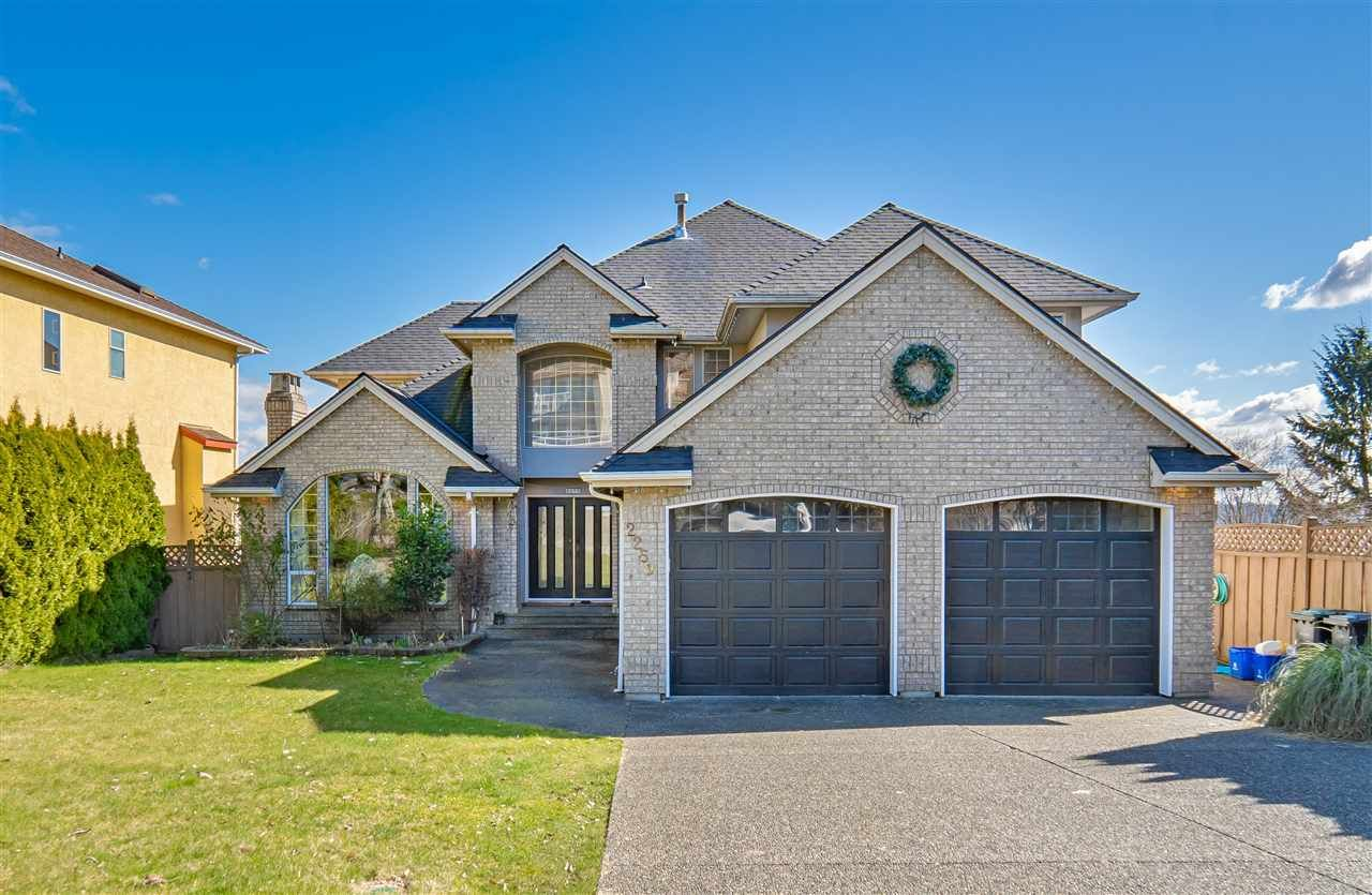 Main Photo: 2259 SICAMOUS Avenue in Coquitlam: Coquitlam East House for sale : MLS®# R2561068
