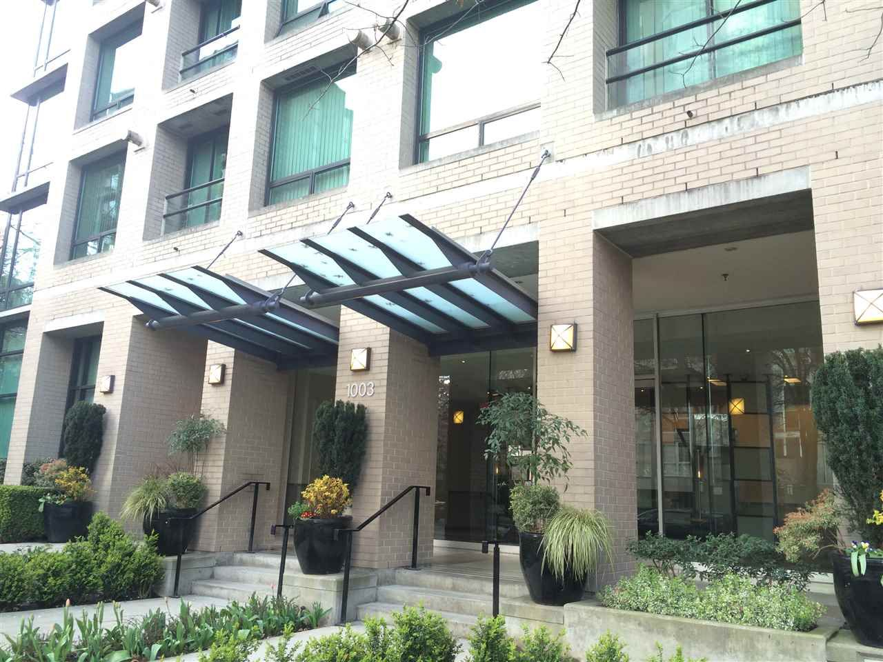 """Main Photo: 802 1003 BURNABY Street in Vancouver: West End VW Condo for sale in """"THE MILANO"""" (Vancouver West)  : MLS®# R2417411"""