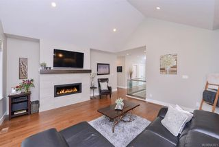 Photo 11: 2132 Champions Way in Langford: La Bear Mountain House for sale : MLS®# 843021