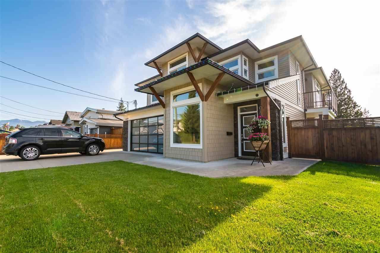 Main Photo: 10289 KENT ROAD in Chilliwack: Fairfield Island House for sale : MLS®# R2582345
