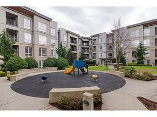"""Photo 19: 303 13339 102A Avenue in Surrey: Whalley Condo for sale in """"The Element"""" (North Surrey)  : MLS®# R2440975"""