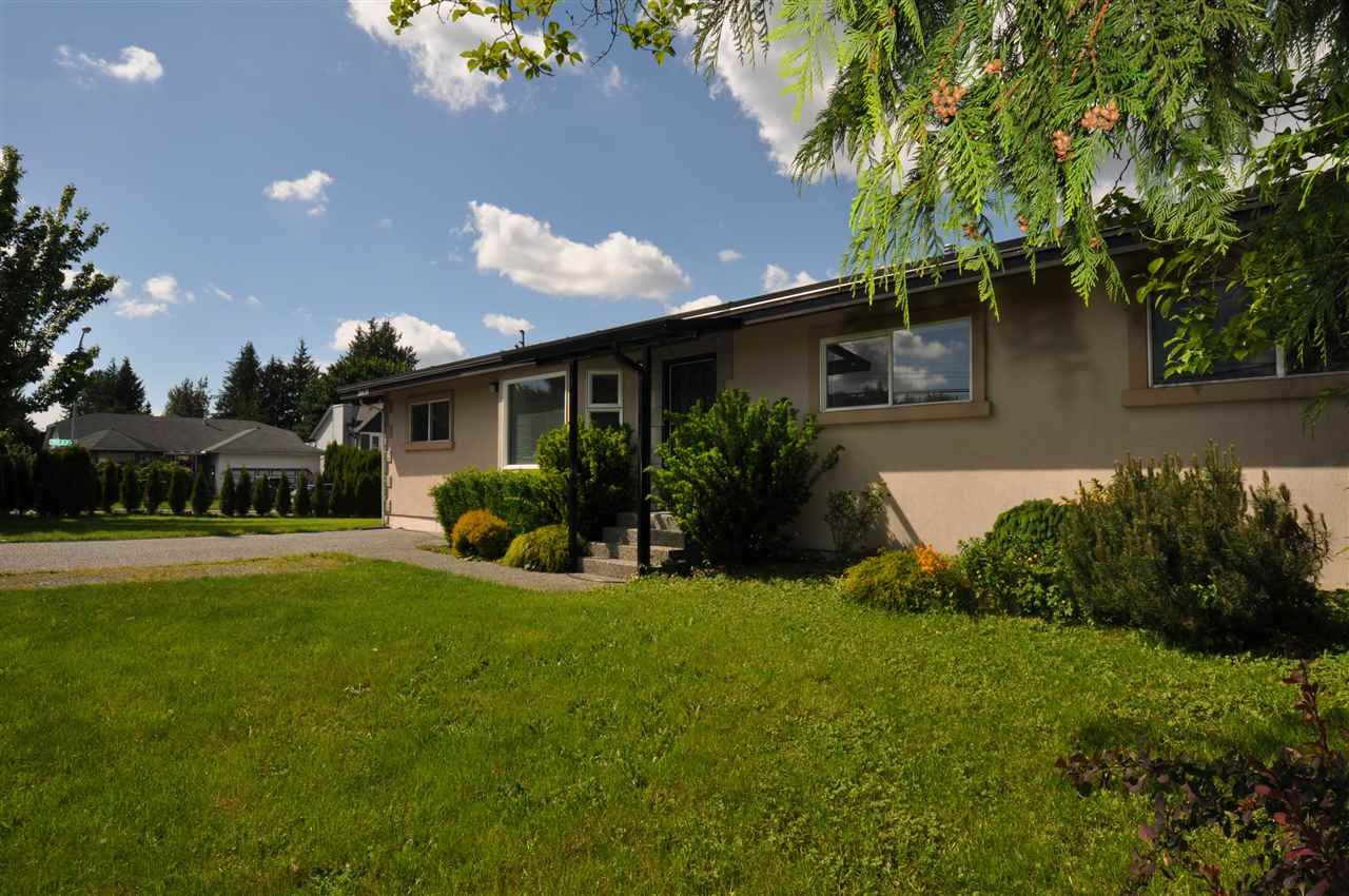 Main Photo: 26635 32 Avenue in Langley: Aldergrove Langley House for sale : MLS®# R2458739