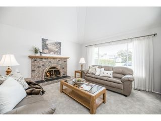 """Photo 5: 3358 198 Street in Langley: Brookswood Langley House for sale in """"Meadowbrook"""" : MLS®# R2583221"""