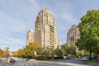 """Photo 1: 1701 7368 SANDBORNE Avenue in Burnaby: South Slope Condo for sale in """"MAYFAIR PLACE"""" (Burnaby South)  : MLS®# R2414676"""