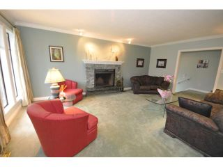 """Photo 10: 10351 HOGARTH Place in Richmond: Woodwards House for sale in """"WOODWARDS"""" : MLS®# V881151"""