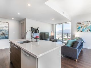 """Photo 3: 2205 285 E 10TH Avenue in Vancouver: Mount Pleasant VE Condo for sale in """"The Independent"""" (Vancouver East)  : MLS®# R2599683"""