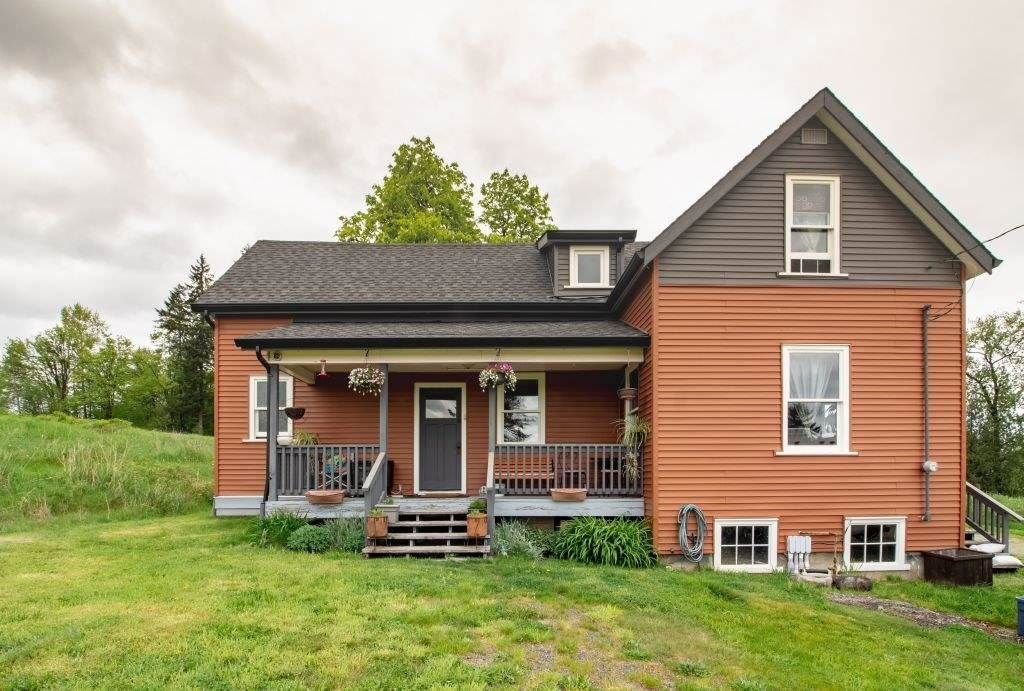 Main Photo: 22089 TELEGRAPH Trail in Langley: Fort Langley House for sale : MLS®# R2389410