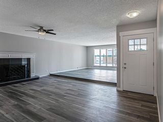 Photo 2: 40 Fyffe Road SE in Calgary: Fairview Detached for sale : MLS®# A1087903