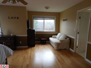 Photo 8: 6572 188TH Street in Surrey: Cloverdale BC House for sale (Cloverdale)  : MLS®# F1202622