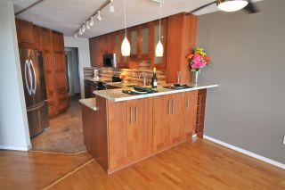 """Photo 5: 1006 1245 QUAYSIDE Drive in New Westminster: Quay Condo for sale in """"RIVIERA"""" : MLS®# R2379086"""