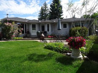Main Photo: 47 Wimbledon Drive SW in Calgary: Wildwood Detached for sale : MLS®# A1082274