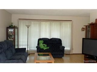 Photo 10: 2006 Central Avenue: Laird Single Family Dwelling for sale (Saskatoon NW)  : MLS®# 430797