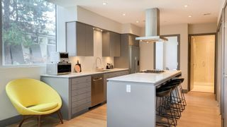 """Photo 5: 201 1510 W 6TH Avenue in Vancouver: Fairview VW Condo for sale in """"THE ZONDA"""" (Vancouver West)  : MLS®# R2624993"""