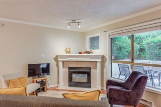 Photo 6: 102 1025 Meares St in Victoria: Vi Downtown Condo for sale : MLS®# 858477