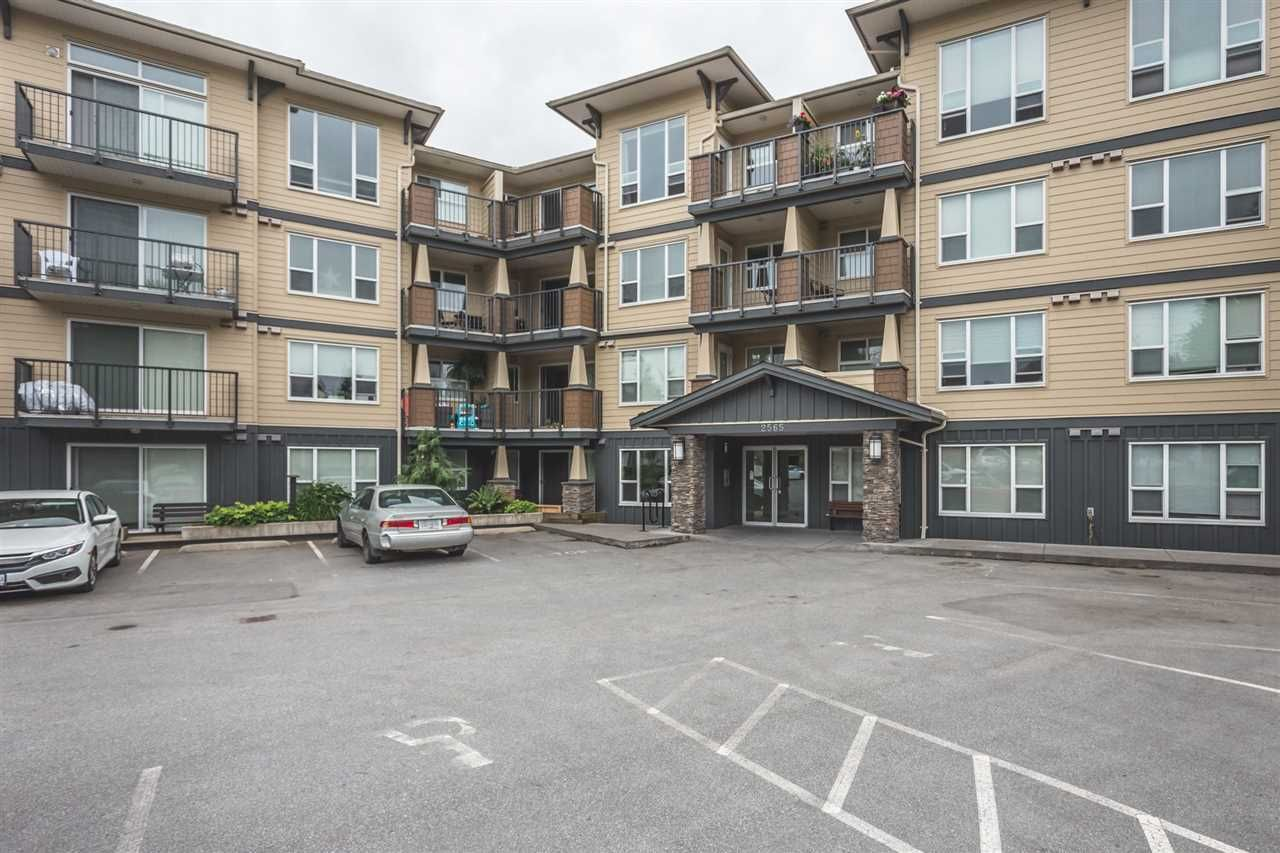 """Main Photo: 401 2565 CAMPBELL Avenue in Abbotsford: Abbotsford East Condo for sale in """"Abacus Uptown"""" : MLS®# R2279610"""