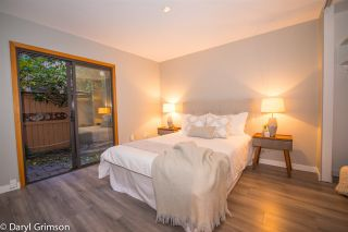 """Photo 15: 1006 IRONWORK PASSAGE in Vancouver: False Creek Townhouse for sale in """"Marine Mews"""" (Vancouver West)  : MLS®# R2420267"""