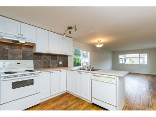 "Photo 8: 35 201 CAYER Street in Coquitlam: Maillardville Manufactured Home for sale in ""WILDWOOD PARK"" : MLS®# R2042526"