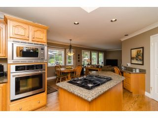 """Photo 10: 2977 NORTHCREST Drive in Surrey: Elgin Chantrell House for sale in """"Elgin Park Estates"""" (South Surrey White Rock)  : MLS®# F1418044"""