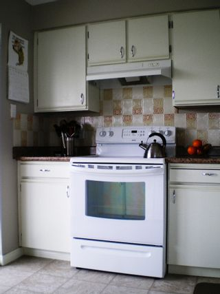 """Photo 2: # 1107 - 615 Belmont Street in New Westminster: Uptown NW Condo for sale in """"BELMONT TOWERS"""" : MLS®# V830209"""
