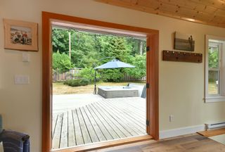 Photo 11: 256 KNIGHT Road in Gibsons: Gibsons & Area House for sale (Sunshine Coast)  : MLS®# R2600569
