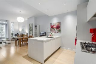 Photo 2: 307 1633 ONTARIO STREET in Vancouver: False Creek Condo for sale (Vancouver West)  : MLS®# R2232506