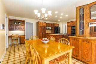 """Photo 3: 7813 MEADOWOOD Drive in Burnaby: Forest Hills BN House for sale in """"FOREST HILL PROPERTIES"""" (Burnaby North)  : MLS®# R2255915"""