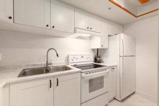 """Photo 4: 216 1500 PENDRELL Street in Vancouver: West End VW Condo for sale in """"Pendrell Mews"""" (Vancouver West)  : MLS®# R2625764"""