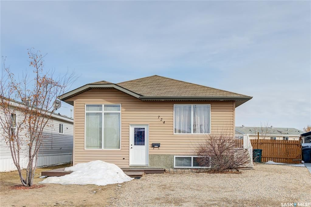 Main Photo: 724 Harder Court in Martensville: Residential for sale : MLS®# SK846742
