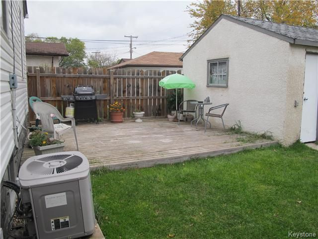Photo 4: Photos:  in WINNIPEG: East Kildonan Residential for sale (North East Winnipeg)  : MLS®# 1527624