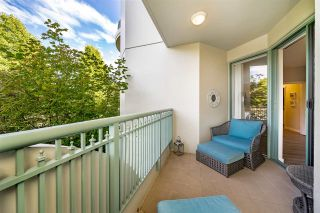 """Photo 15: 201 1705 MARTIN Drive in Surrey: Sunnyside Park Surrey Condo for sale in """"Southwynd"""" (South Surrey White Rock)  : MLS®# R2393853"""