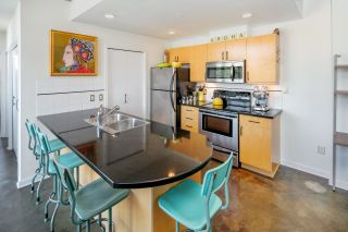 """Photo 8: 503 919 STATION Street in Vancouver: Mount Pleasant VE Condo for sale in """"LEFT BANK"""" (Vancouver East)  : MLS®# R2304592"""