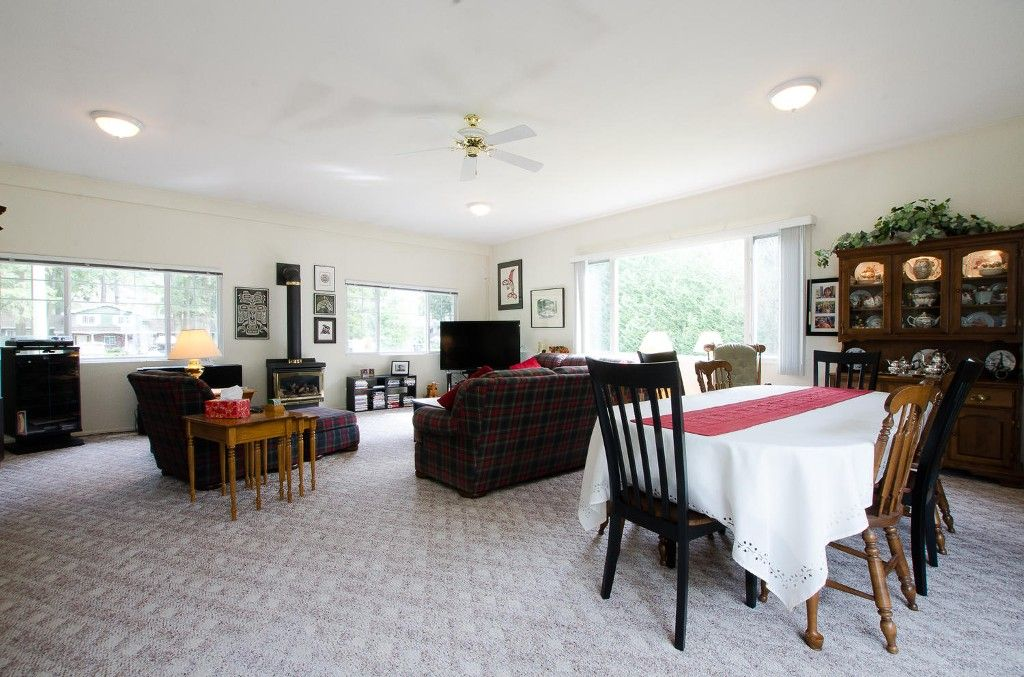Photo 11: Photos: 24700 50 Avenue in Langley: Salmon River House for sale