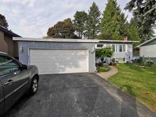 Photo 2: 1685 DANSEY AVENUE in Coquitlam: Central Coquitlam House for sale : MLS®# R2511920