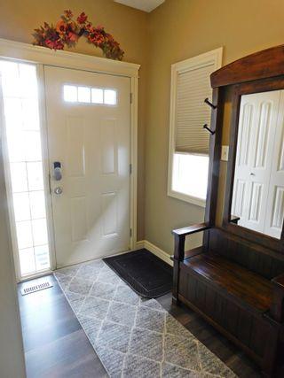 Photo 3: 23 Caragana Way: Fort Saskatchewan House Half Duplex for sale : MLS®# E4235911