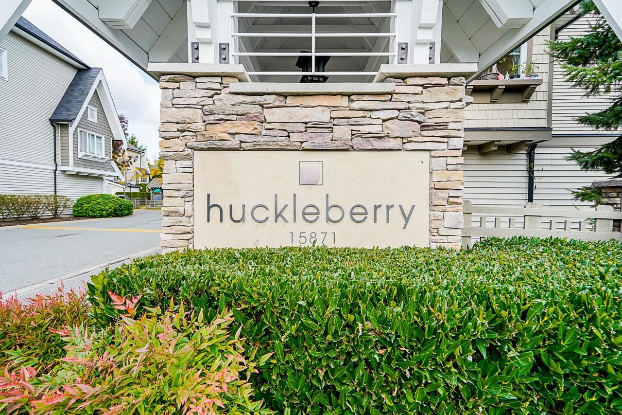 """Main Photo: 69 15871 85 Avenue in Surrey: Fleetwood Tynehead Townhouse for sale in """"Huckleberry"""" : MLS®# R2624709"""