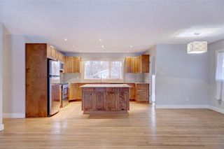 Photo 8: 611 WOODSWORTH Road SE in Calgary: Willow Park Detached for sale : MLS®# C4216444