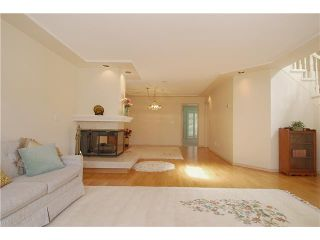 """Photo 3: 9 7760 BLUNDELL Road in Richmond: Broadmoor Townhouse for sale in """"SUNNYMEDE ESTATES"""" : MLS®# V942111"""