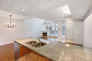 Photo 12: TH2 188 E ESPLANADE in North Vancouver: Lower Lonsdale Townhouse for sale : MLS®# R2525261