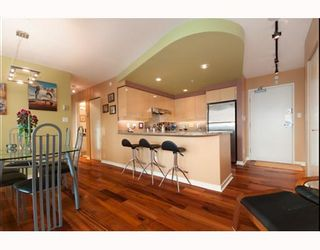 """Photo 4: 3105 1009 EXPO Boulevard in Vancouver: Downtown VW Condo  in """"LANDMARK 33"""" (Vancouver West)  : MLS®# V801794"""