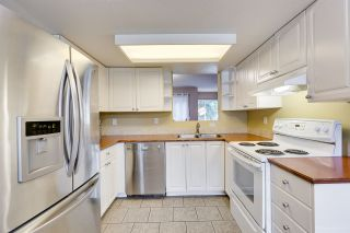 """Photo 7: 558 CARLSEN Place in Port Moody: North Shore Pt Moody Townhouse for sale in """"Eagle Point complex"""" : MLS®# R2388336"""