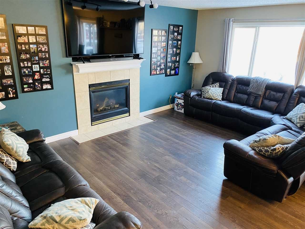 Main Photo: 22 DOUCETTE Place NW: St. Albert House for sale : MLS®# E4241911
