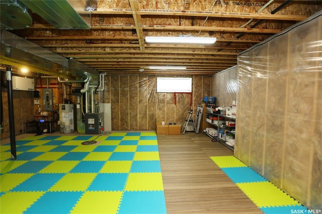 Photo 39: Photos: 230 Warder Cove in Saskatoon: Stonebridge Residential for sale : MLS®# SK843187