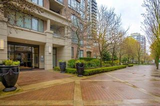 """Photo 2: 408 170 W 1ST Street in North Vancouver: Lower Lonsdale Condo for sale in """"ONE PARK LANE"""" : MLS®# R2618719"""