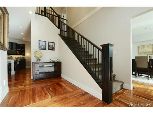 Photo 18: Photos: 1001 Arngask Ave in VICTORIA: La Bear Mountain House for sale (Langford)  : MLS®# 728828